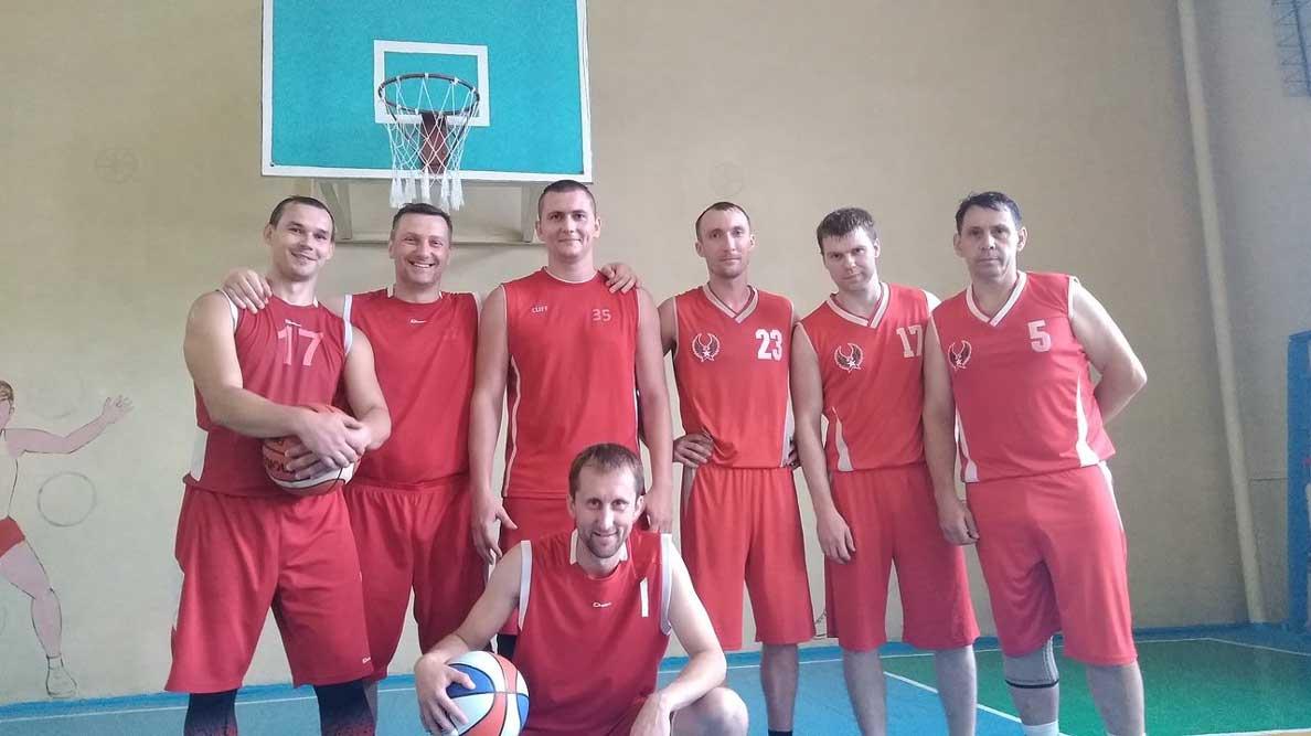 Наши чемпионы по баскетболу!
